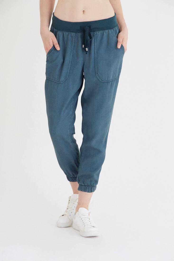 Bayan Yeşil Rahat Kesim Bilekli Pantolon