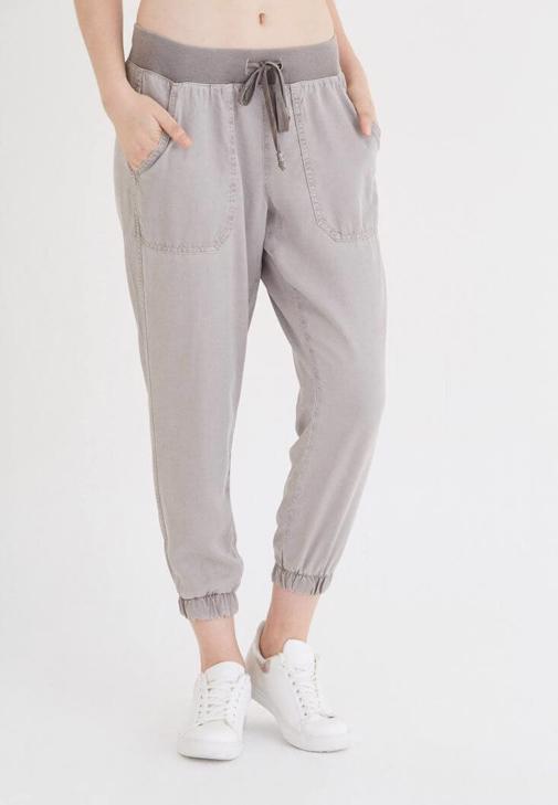 Krem Rahat Kesim Bilekli Pantolon