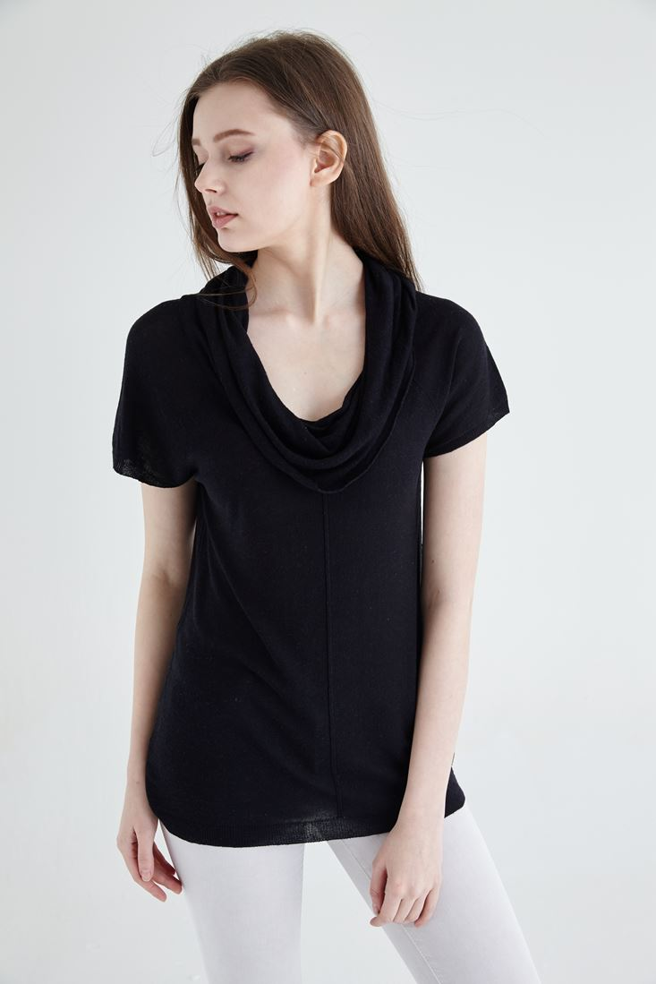 Black Short Sleeved Knitwear