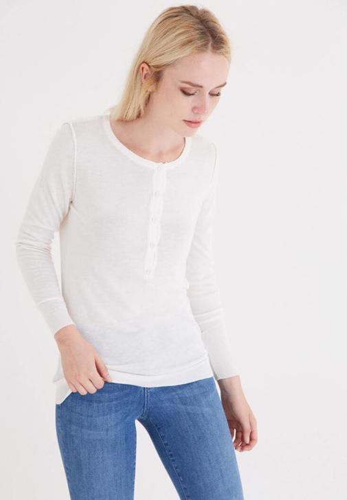 Beyaz Düğmeli Triko