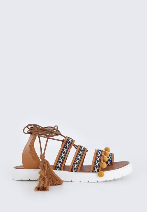 Kahverengi Bağcıklı Sandalet
