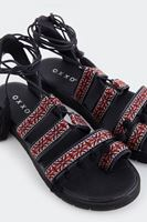 Bayan Siyah Bağcıklı Püsküllü Sandalet