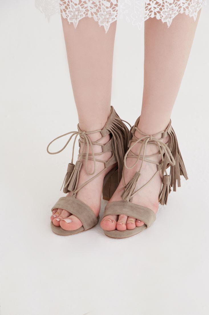 Bayan Gri Püskül Detaylı Topuklu Ayakkabı