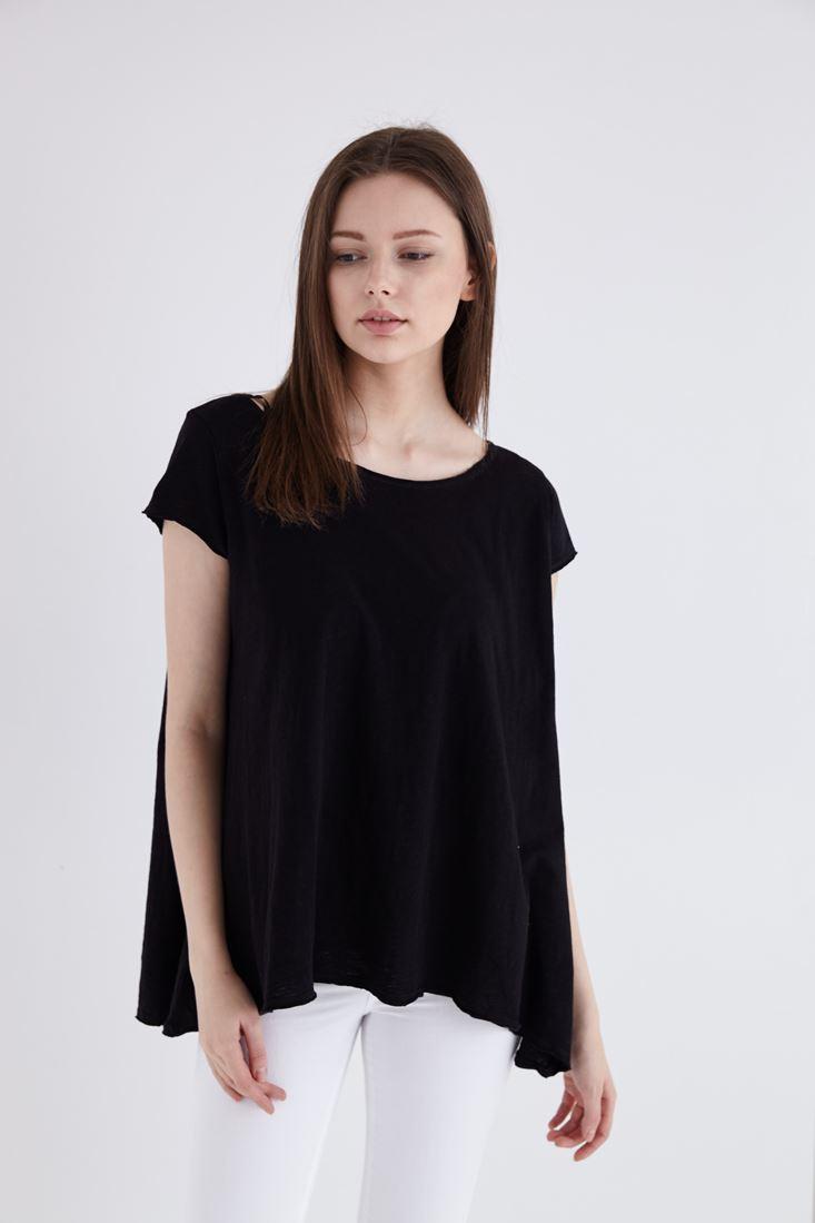 Bayan Siyah Geniş Yakalı Basic Tişört