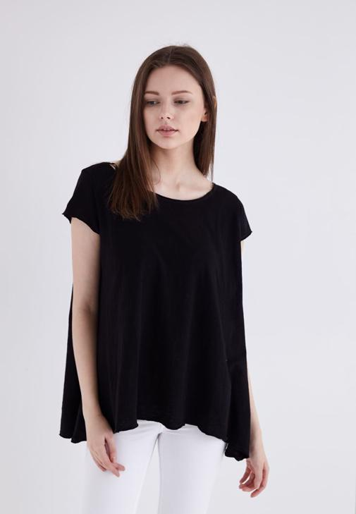 Siyah Geniş Yakalı Basic Tişört