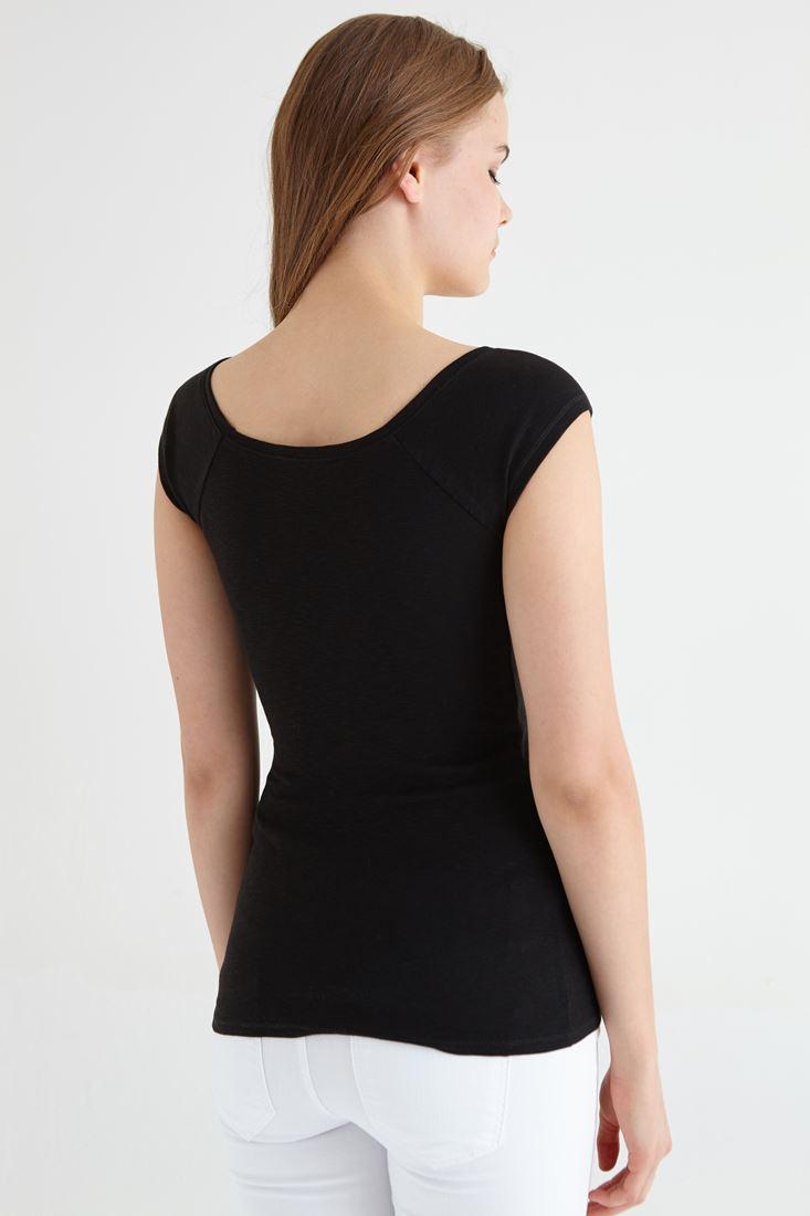 Bayan Siyah Bot Yaka Basic Tişört