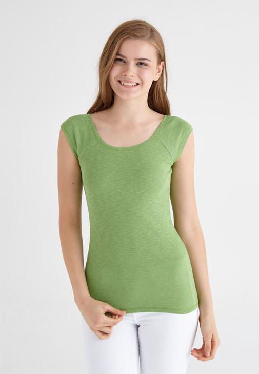 Yeşil Bot Yaka Basic Tişört