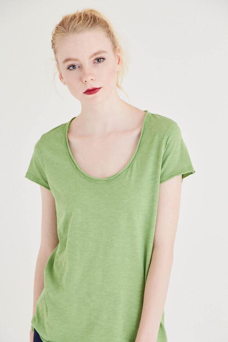 Bayan Yeşil U Yaka Pamuklu Tişört