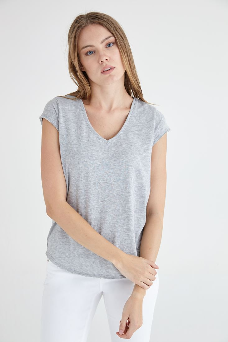 Bayan Gri V Yaka Pamuklu Kısa Kollu Tişört