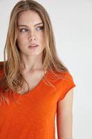 Bayan Turuncu V Yaka Pamuklu Kısa Kollu Tişört