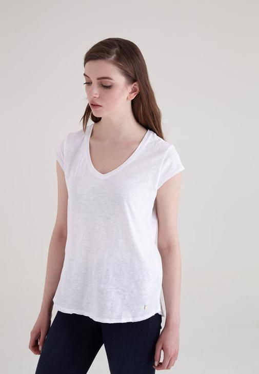 Beyaz V Yaka Pamuklu Kısa Kollu Tişört