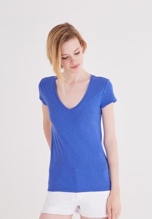 Mavi V Yaka Basic Tişört