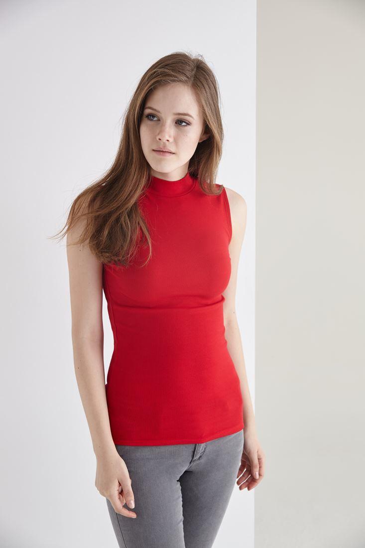 Bayan Kırmızı Boğazlı Sıfır Kollu Tişört