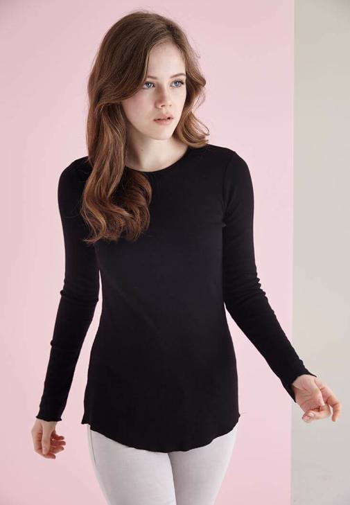 Siyah Uzun Kollu Bisiket Yaka Tişört