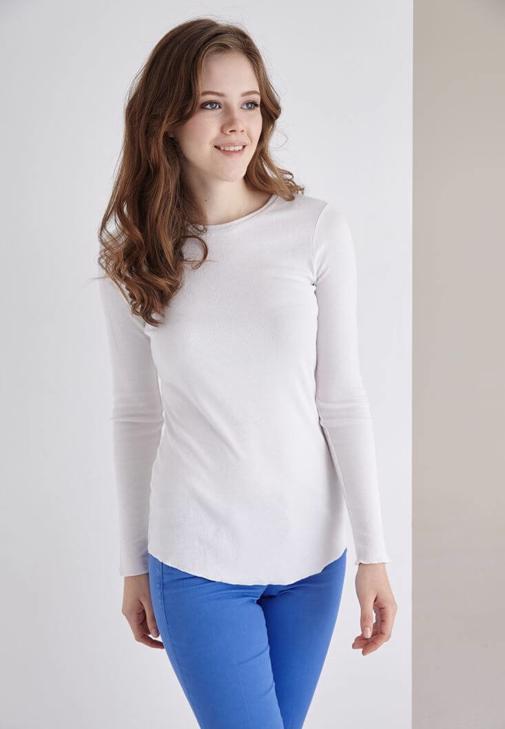 Beyaz Uzun Kollu Bisiket Yaka Tişört