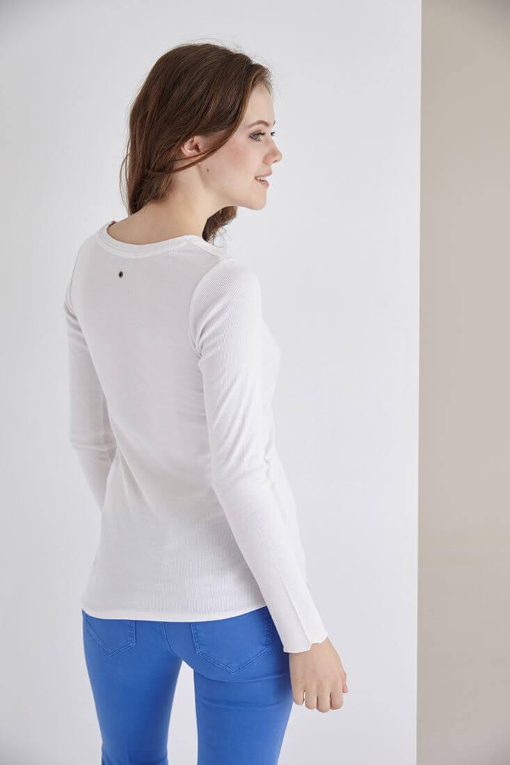 Bayan Beyaz Uzun Kollu Bisiket Yaka Tişört