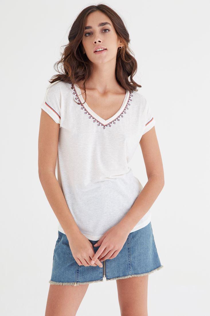 Bayan Krem Nakışlı Tişört