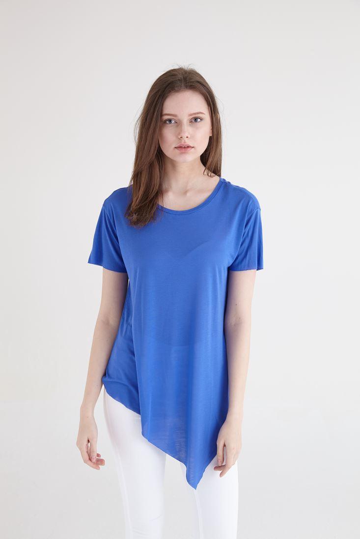 Bayan Mavi Asimetrik Kesimli Tişört