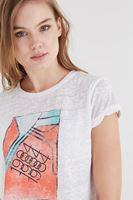 Bayan Beyaz Desenli Tişört