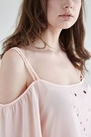 Bayan Pembe Dökümlü Delik Detaylı Bluz