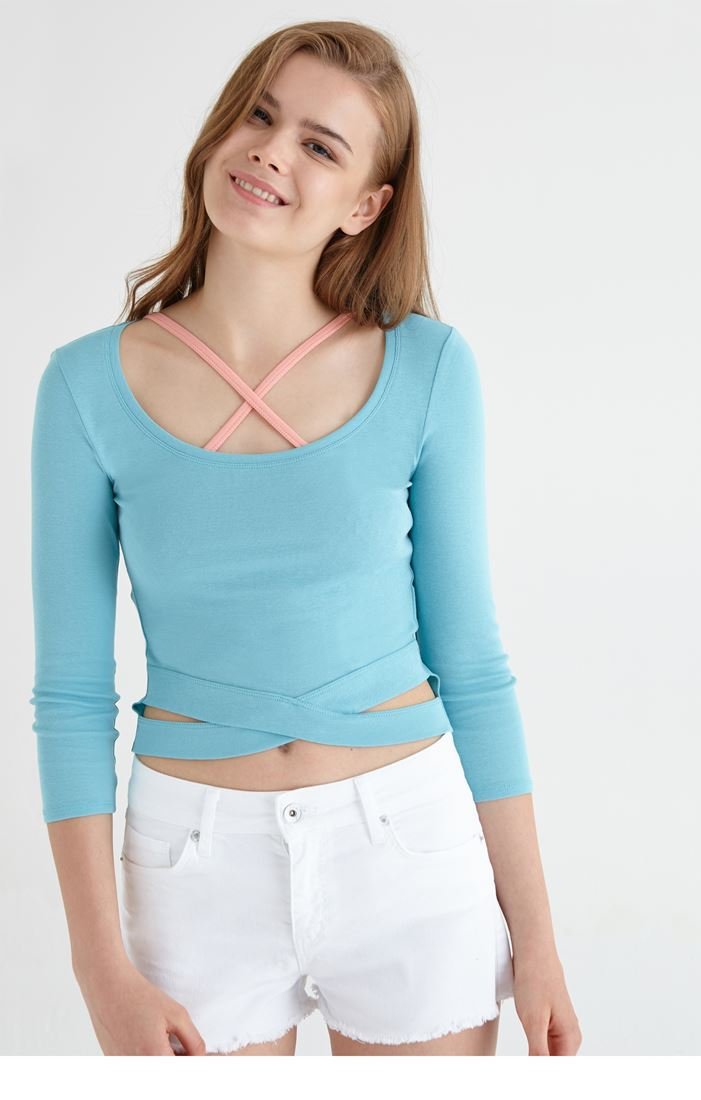 Bayan Mavi Çapraz Detaylı Kısa Tişört