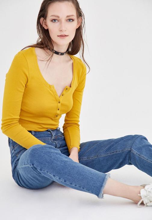 Turuncu Düğme Detaylı Uzun Kollu Basic Tişört