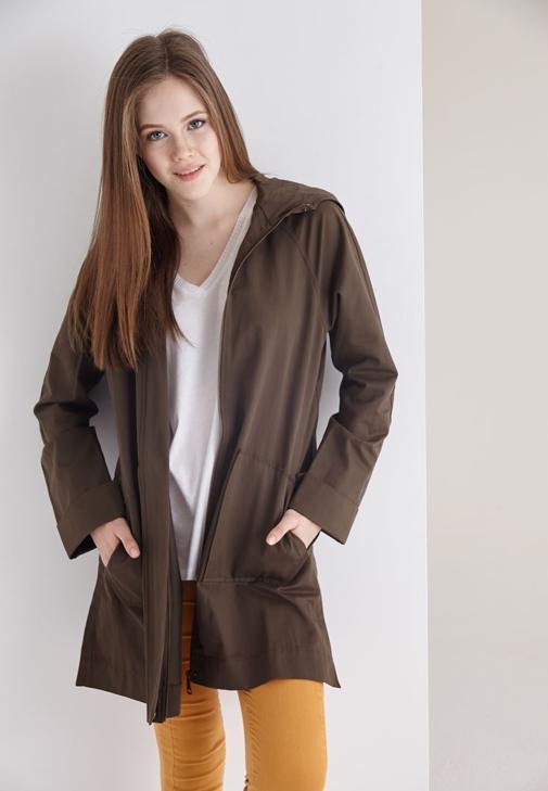 Yeşil Kapüşonlu İnce Ceket