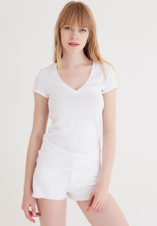 Beyaz V Yaka Basic Tişört