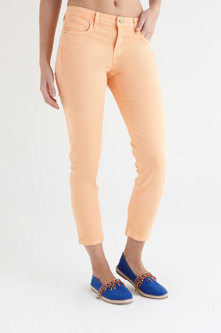 Turuncu Kısa Paça Ara Bel Pantolon