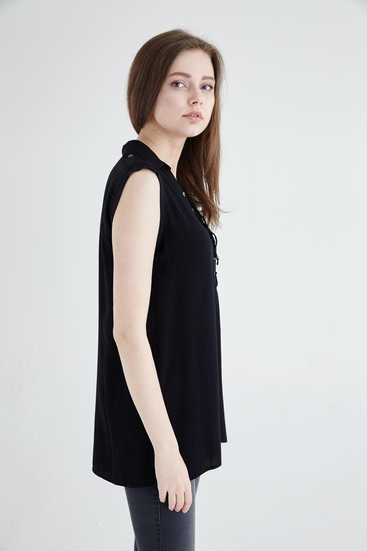 Bayan Siyah Bağcık Detaylı Sıfır Kollu Bluz