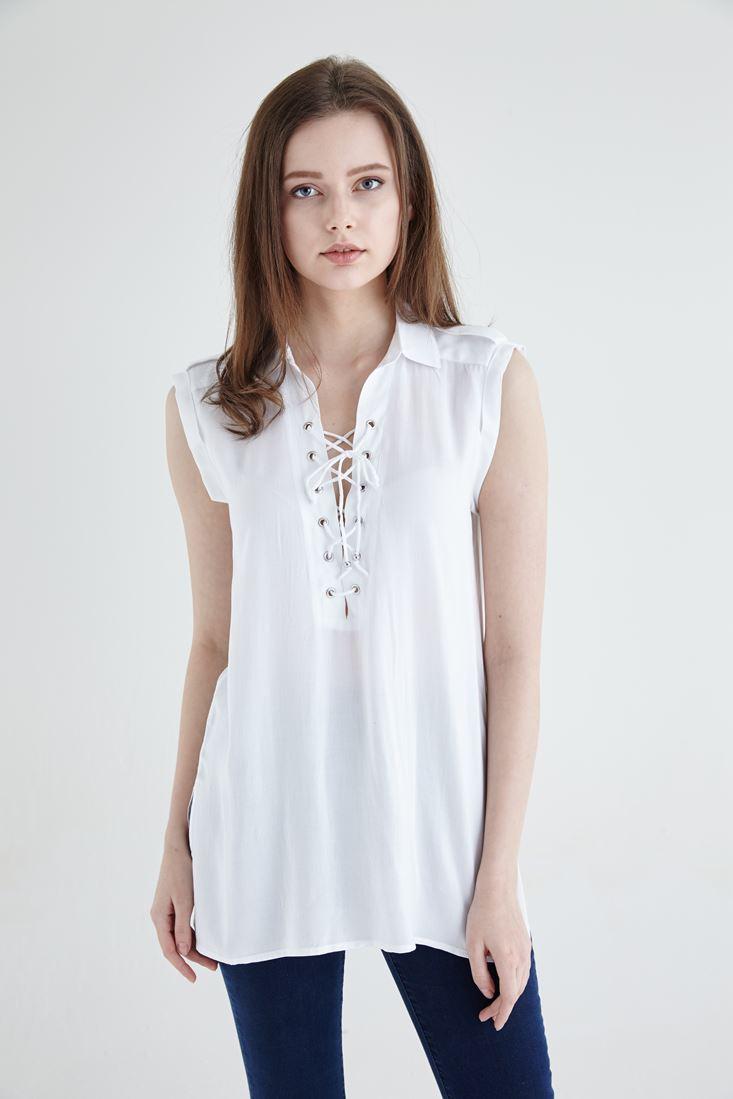 Bayan Beyaz Bağcık Detaylı Sıfır Kollu Bluz