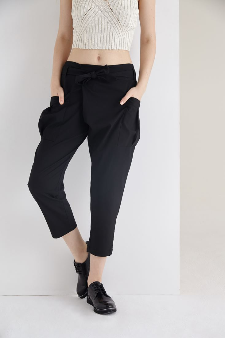 Siyah Yandan Cepli Kısa Paça Pantolon