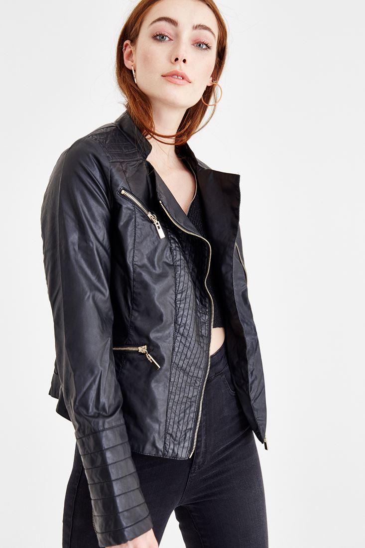 Siyah Fermuarlı Cep Detaylı Deri Görünümlü Ceket