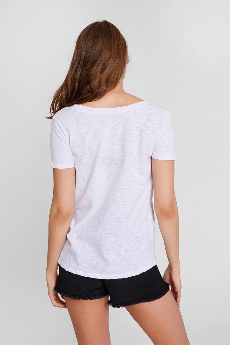 Bayan Beyaz Nakışlı V Yaka Tişört