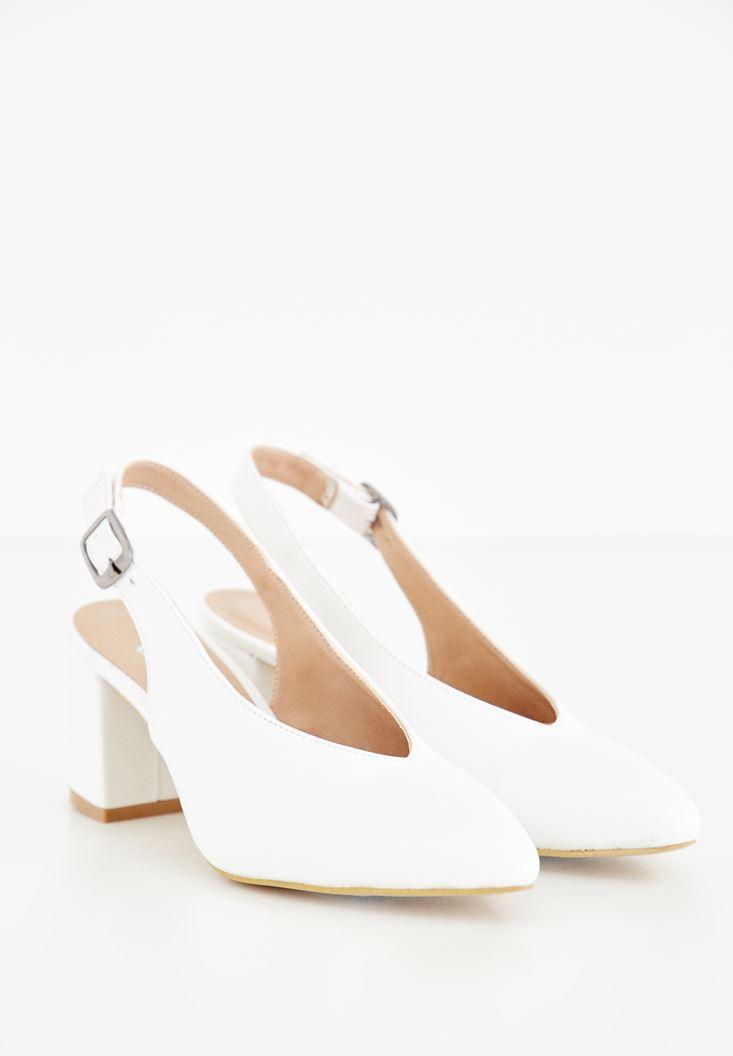 Beyaz Arkası Açık Topuklu Ayakkabı
