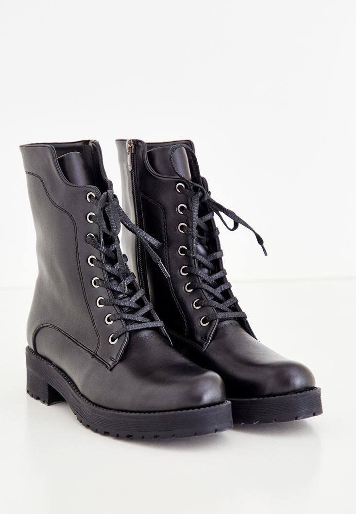 Black Zipper Detailed Boot