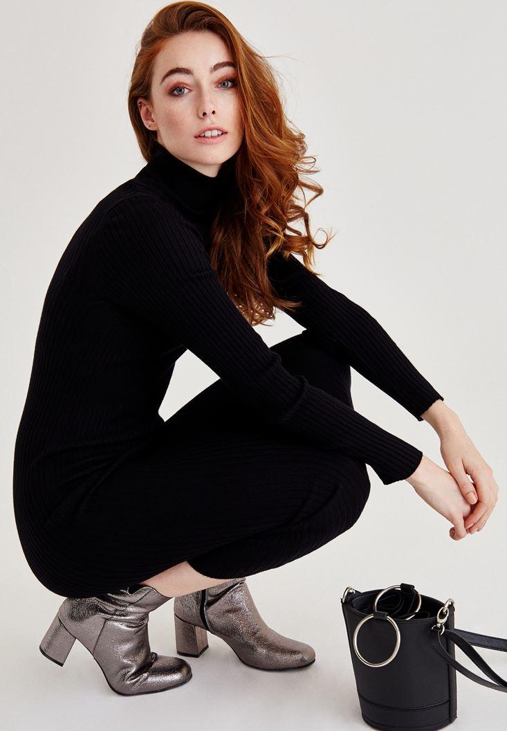 Siyah Boğazlı Uzun Kollu Diz Altı Elbise