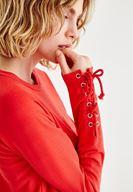 Bayan Kırmızı Kol Detaylı İşlemeli Sweatshirt