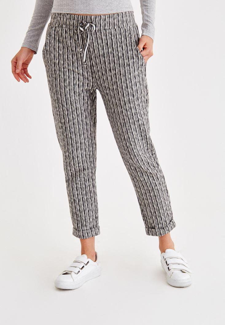 Bayan Krem Çizgili Kısa Paça Bol Pantolon