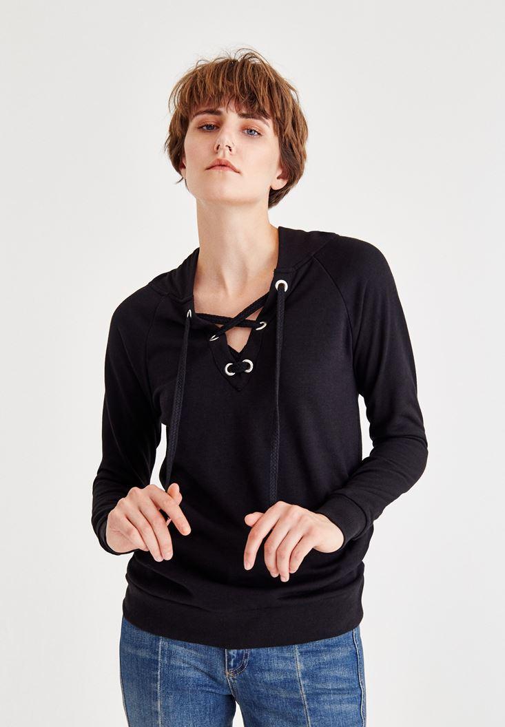 Bayan Siyah Çapraz Bağcıklı Kapüşonlu Sweatshirt