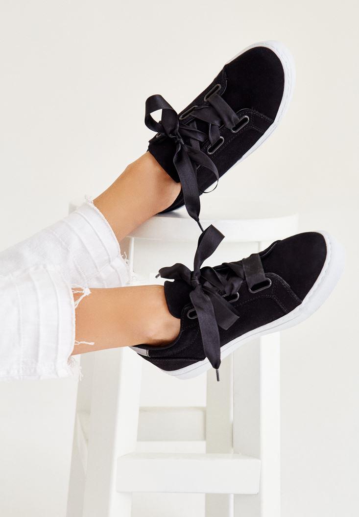 Siyah Arkası Metalik Detaylı Spor Ayakkabı