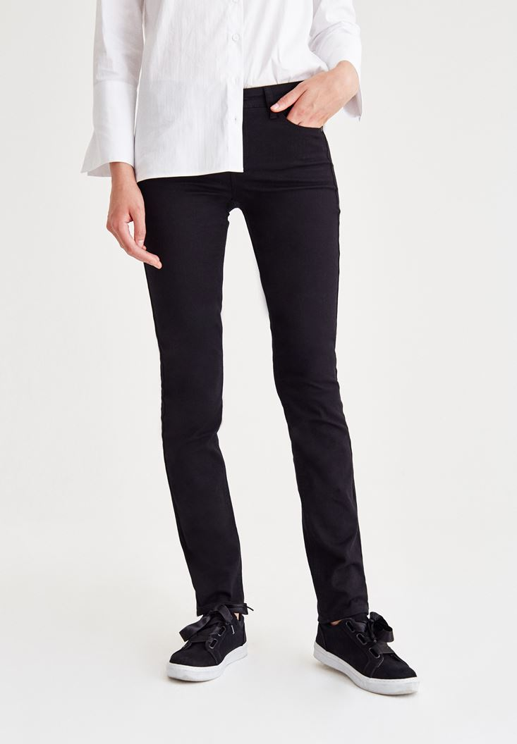 Black Mid-Rise Slim Pants