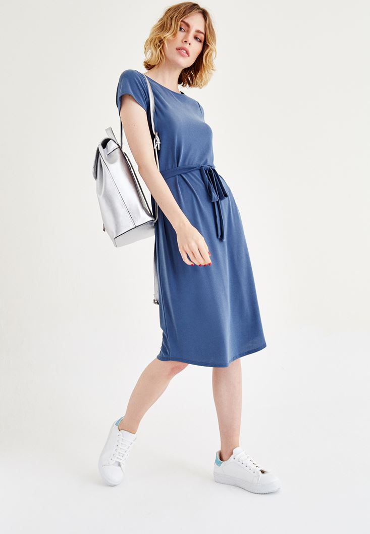 Mavi Kemer Detaylı Beli Lastikli Elbise