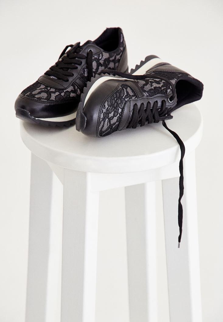 Siyah Dantel Detaylı Spor Ayakkabı