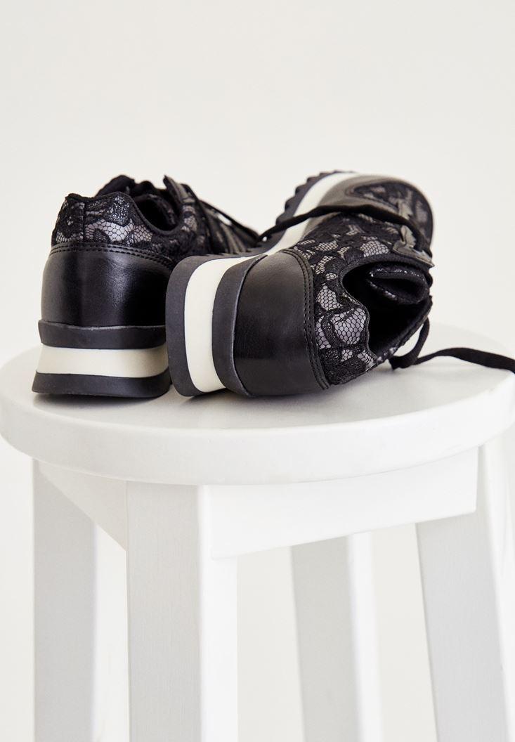 Bayan Siyah Dantel Detaylı Spor Ayakkabı