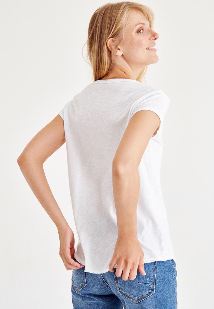 Bayan Beyaz Biye Detaylı V Yaka Tişört
