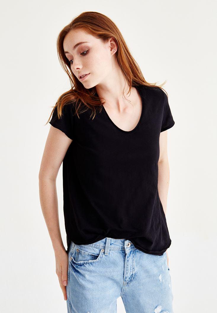 Siyah U Yaka Kısa Kollu Tişört