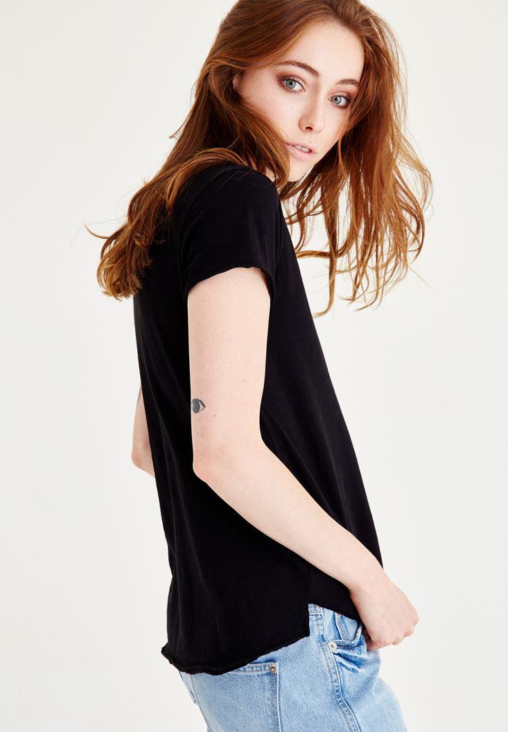 Bayan Siyah U Yaka Kısa Kollu Tişört