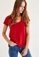 Bayan Kırmızı U Yaka Kısa Kollu Tişört