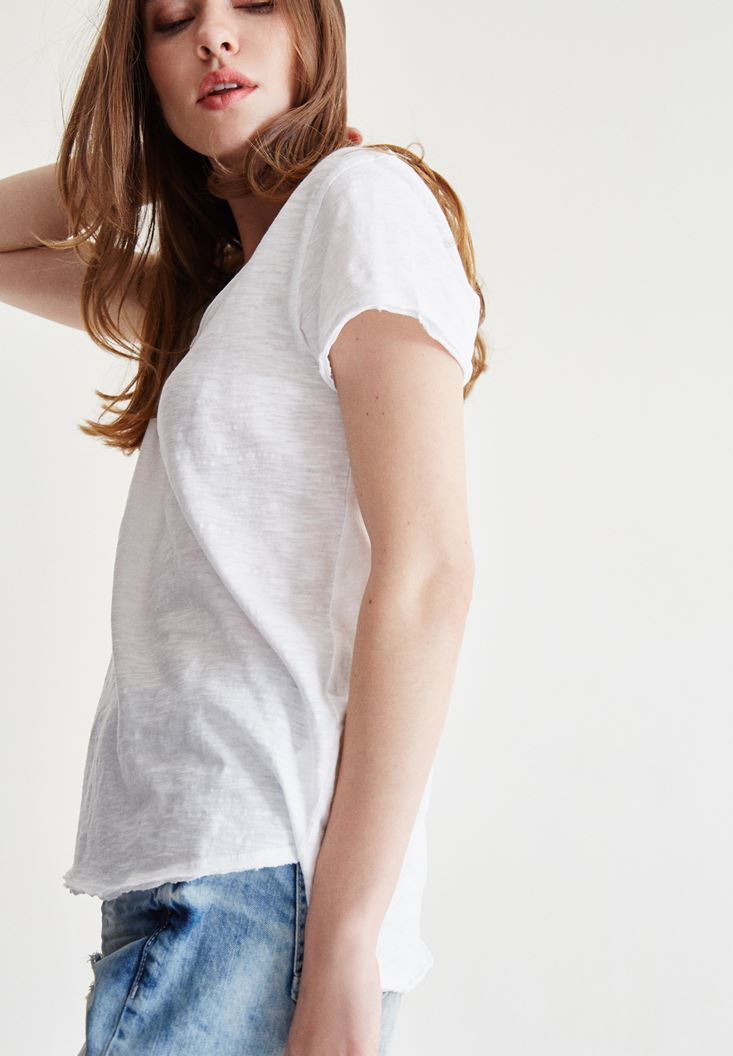 Bayan Beyaz U Yaka Kısa Kollu Tişört